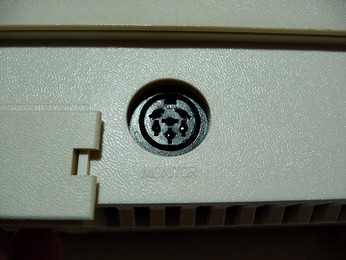 SECAM Atari 800XL Monitor connector close-up