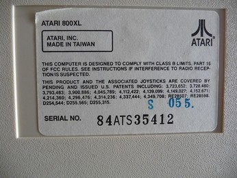 SECAM Atari 800XL Made in Taiwan