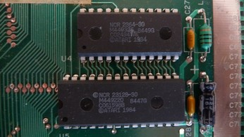 SECAM Atari 800XL CO24947A, Atari BASIC Rev. C chip, CO61598B, OS ROM chip