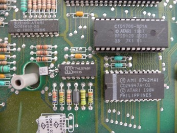 star-arabic-atari-65xe-inside-view-06-sm