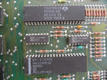 'Star' Arabic Atari 65XE CO14795, PIA chip, CO12294B, POKEY chip
