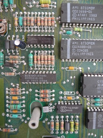 'Star' Arabic Atari 65XE CO61618, MMU chip